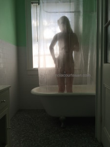 New Orleans escort and courtesan Annie C naked shower pics! November 2015.